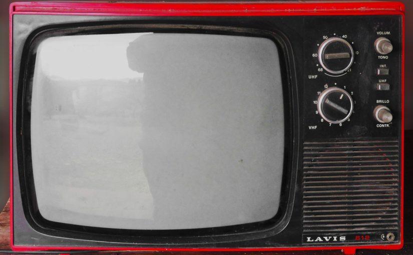 Wspólny odsapnięcie przed telewizorem, lub niedzielne serialowe popołudnie, umila nam czas wolny ,a także pozwala się zrelaksować.